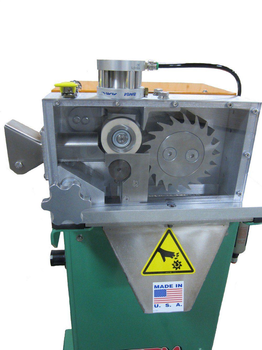 Bay Plastics Machinery 005